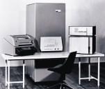 PDP-4 (1962): Κατασκευάστηκε ως πιο απλή, αργή και φθηνή εναλλακτική του PSP-1 (χωρίς χρονομερισμό), αλλά τελικά δεν πέτυχε. Στην αρχιτεκτονική του βασίστηκαν όλα τα επόμενα 18μπιτα συστήματα (PDP-7, 9 και 15) Αρχική τιμή: 60.000 δολ. Πωλήσεις: 45
