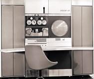 "PDP-6 (1964): Το πρώτο ""μεγάλο"" σύστημα της DEC και ο πρώτος της 36μπιτης οικογένειας PDP, θεωρείται mainframe με τα δεδομένα της εποχής. Τα λιγοστά συστήματα που κατασκευάστηκαν αγοράστηκαν κατά κύριο λόγο από το ΜΙΤ. Αρχική τιμή: 300.000 δολ. Πωλήσεις: 23"