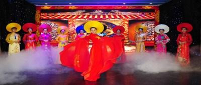Âm Sắc Hoàng Cung – Áo Dài Show 2019