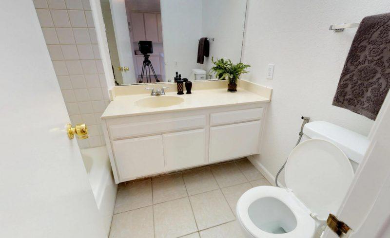 Hall Bath 1