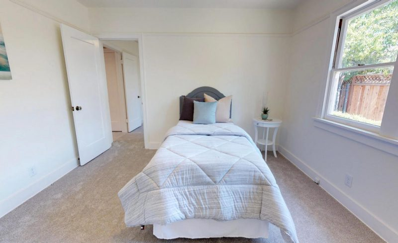 Middle Bedroom 1