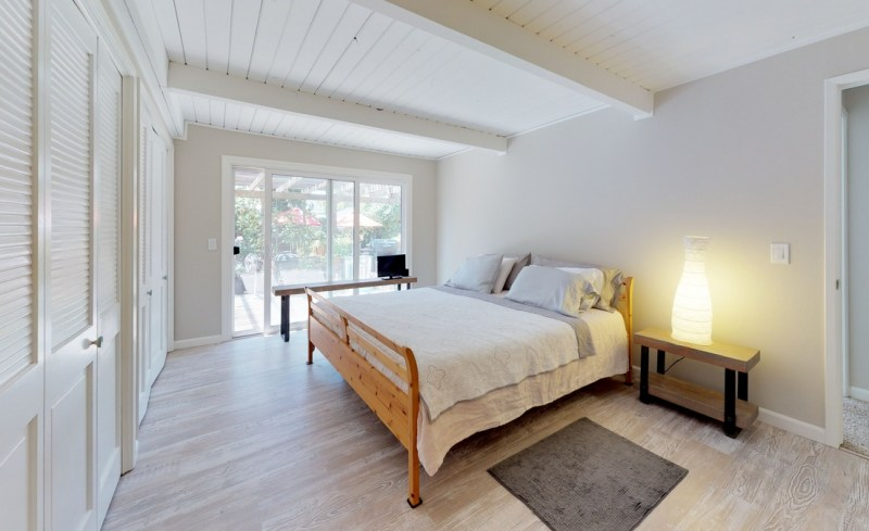 gTc5A25KVyF – Bedroom