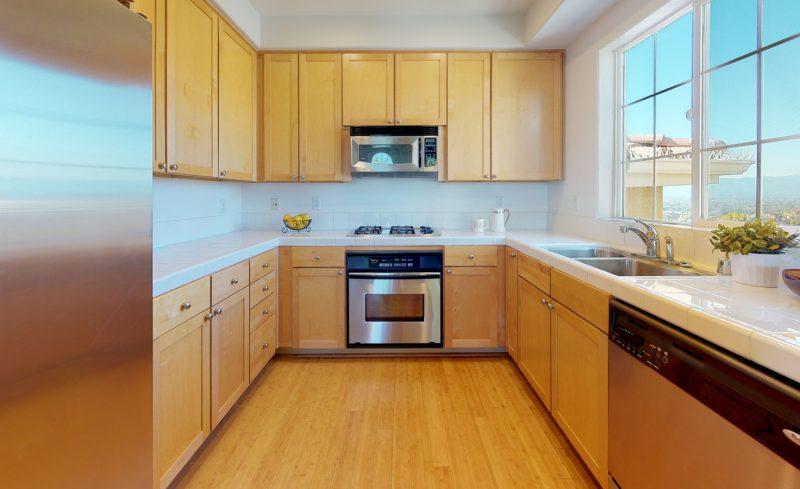 544-Altino-Blvd-Kitchen(1)