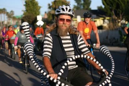 santa-cruz-bike-party_2