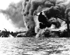 uss-arizona-burning-700x554