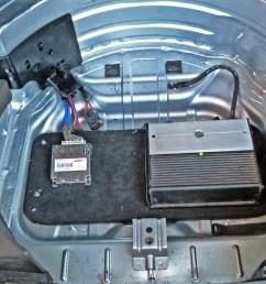 porsche cayenne subwoofer amplifier system [ 2200 x 1236 Pixel ]