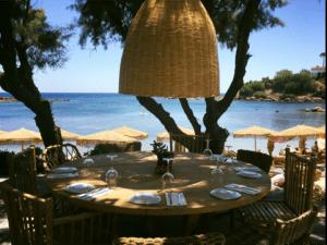 Santa Marina Beach bar