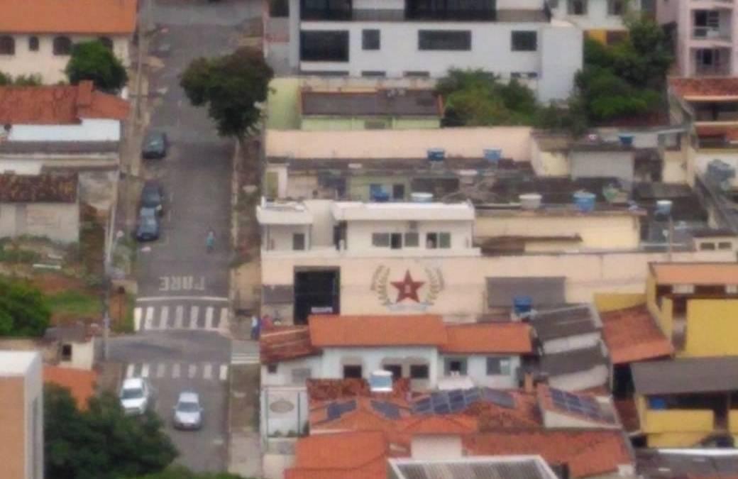 Familiares de detentos denunciam morte durante ação policial no presídio de Itaúna