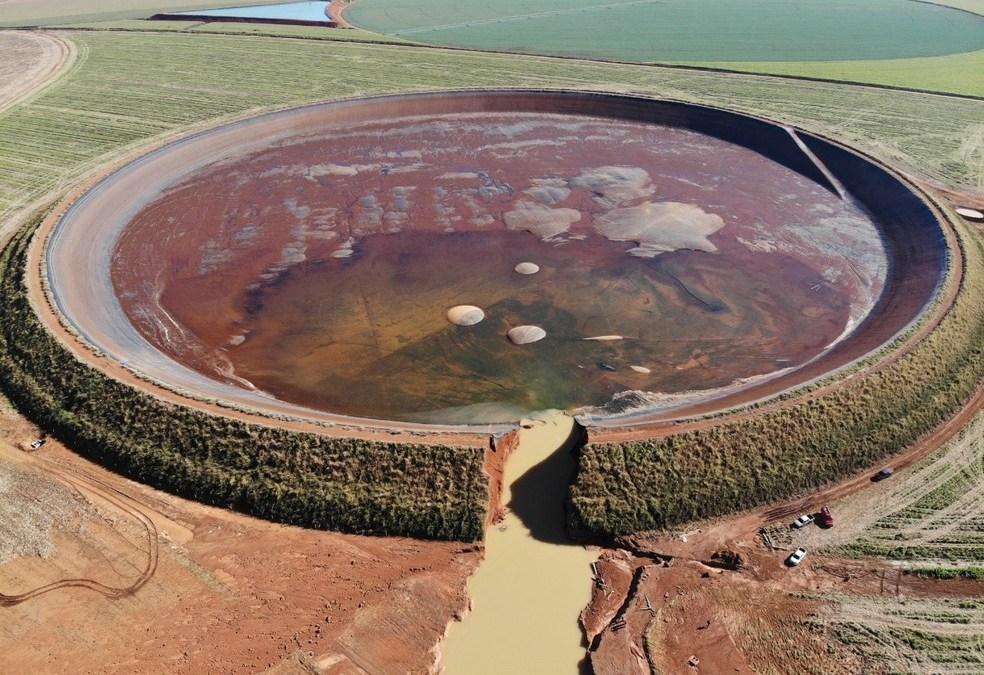 Após rompimento de barragem, fazenda afirma que não há risco