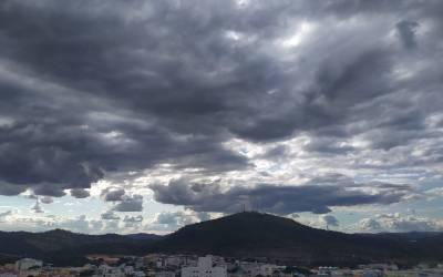 Semana será nublada e com pancadas de chuvas no Centro-Oeste