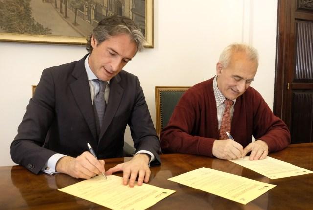 El Ayuntamiento destina 32.000 euros a becas para alumnos de la Escuela de Turismo Altamira