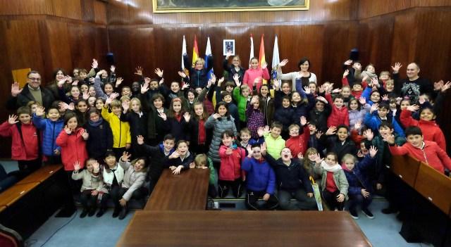 Alumnos de Escolapios conocen el funcionamiento municipal en una visita al Ayuntamiento