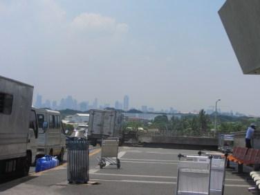 Manilas centrs tālumā
