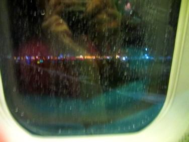 Manila mūs pavada ar lietusgāzi