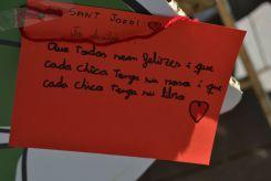 Mensajes escritos en el stand de la regidoria de Cooperación y Desarrollo // Elisenda Colell