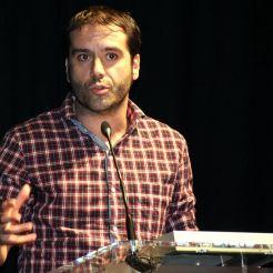 Cristian Pascual, director del Festival In-Edit recollint el Premi Altaveu 2015 // Elisenda Colell