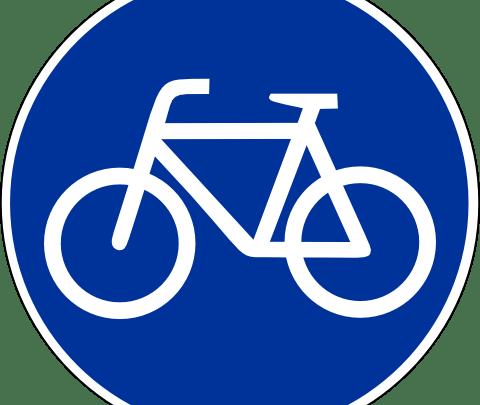 El aeropuerto de Santiago de Compostela estrena carril bici