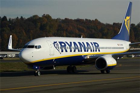 Ryanair provoca un giro de 180 grados en la política aeroportuaria del Ayuntamiento de Santiago