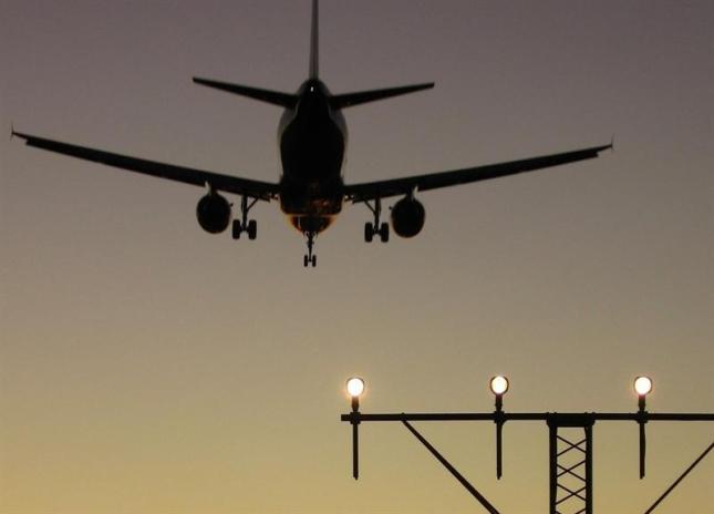 Tres vuelos entre Madrid y A Coruña desviados al aeropuerto de Santiago de Compostela