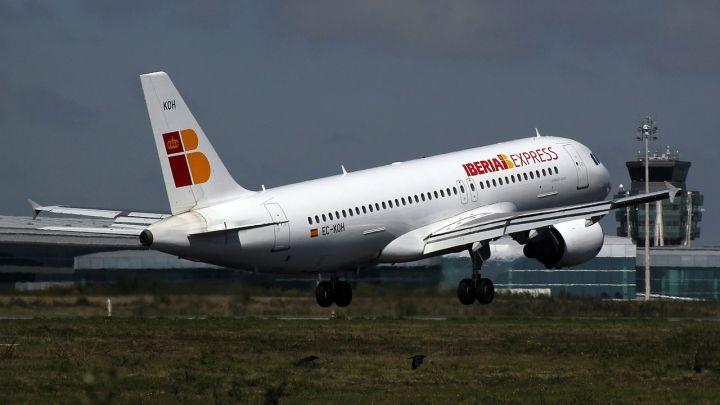 El aeropuerto de Santiago coge impulso para su récord