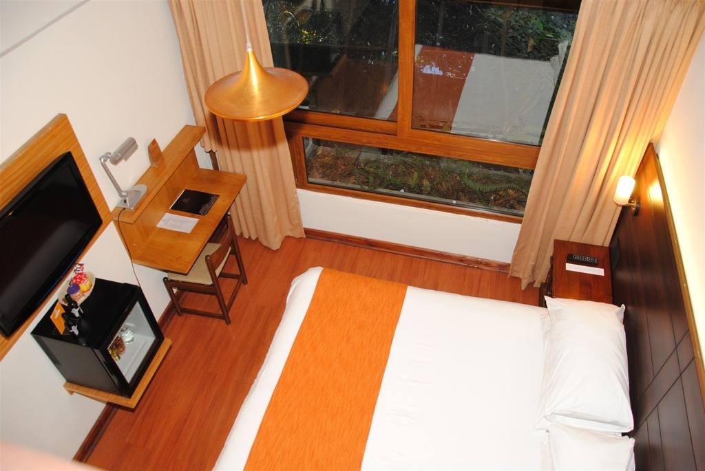 Hotel Manquehue  SantiagoDoChilecom
