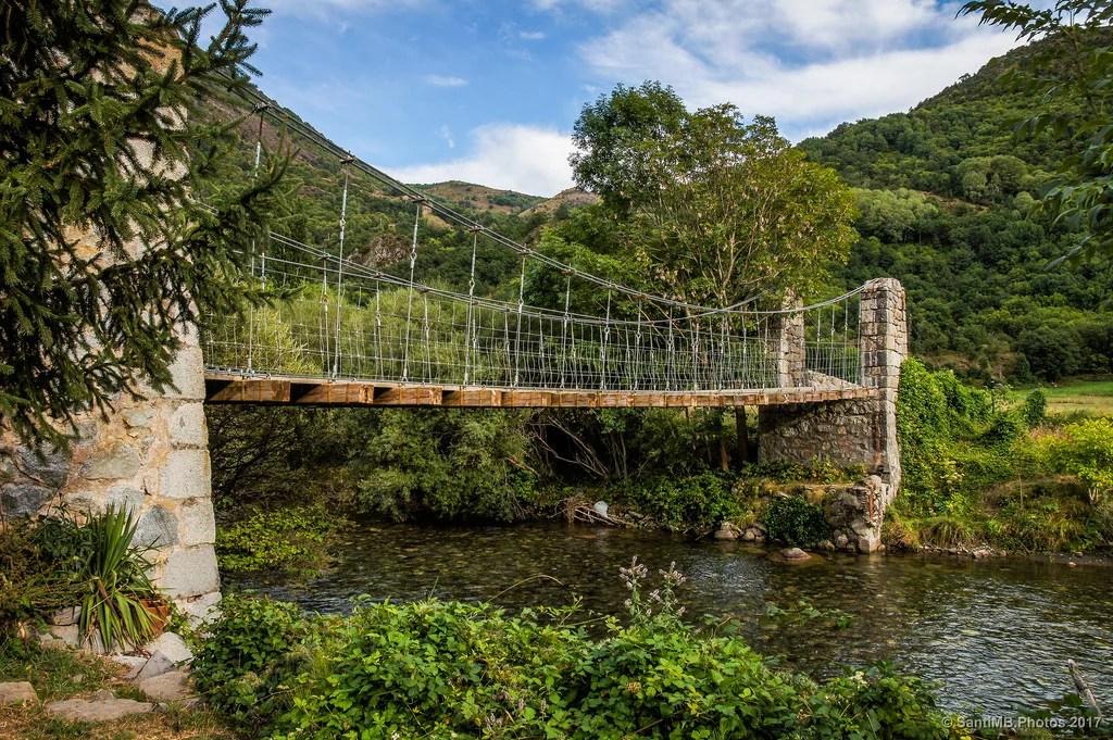 Puente sobre el río Noguera e Tor