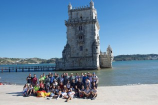 Jovens e frades - torre de Belém, Lisboa