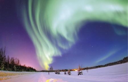Luzes do Norte - Aurora boreal no Alasca. Foto aérea da Força Aérea dos EUA, aviador Joshua Strang, Wikicommons