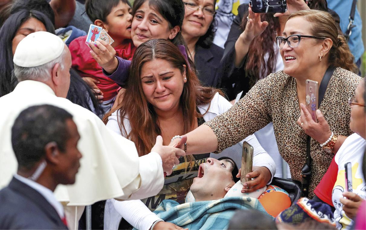 O Papa Francisco saúda os fiéis em Lima, Peru, 20 de janeiro de 2018. ARIAS EPA / ERNESTO.