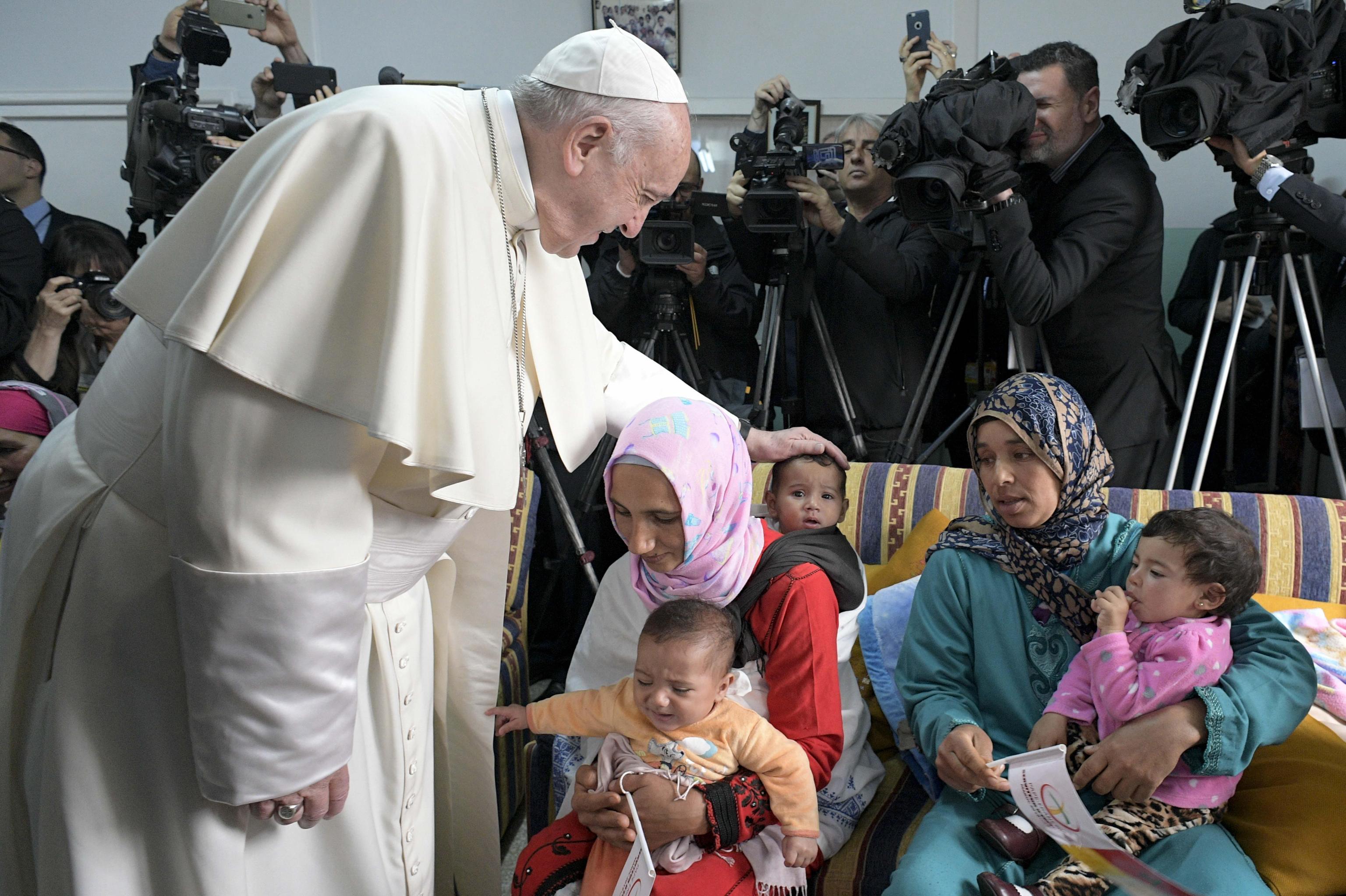 Papa Francisco à chegada ao Centro Rural de Serviços Sociais em Temara, no sul de Rabat, Marrocos, 31 de março de 2019. EPA / MÍDIA VATICANA
