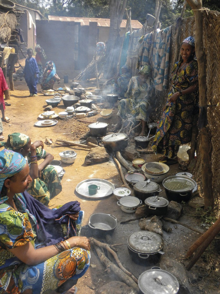 A missão Carmelita, em Bozoum, República Centro Africana, acolhe 4500 deslocados internos, após a destruição das suas casas por milícias.