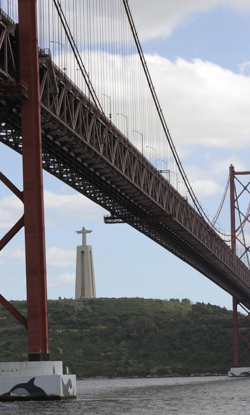Ponte 25 de abril sobre o Tejo, com vista do Cristo Rei na outra margem. Foto arquivo MSA 2018.