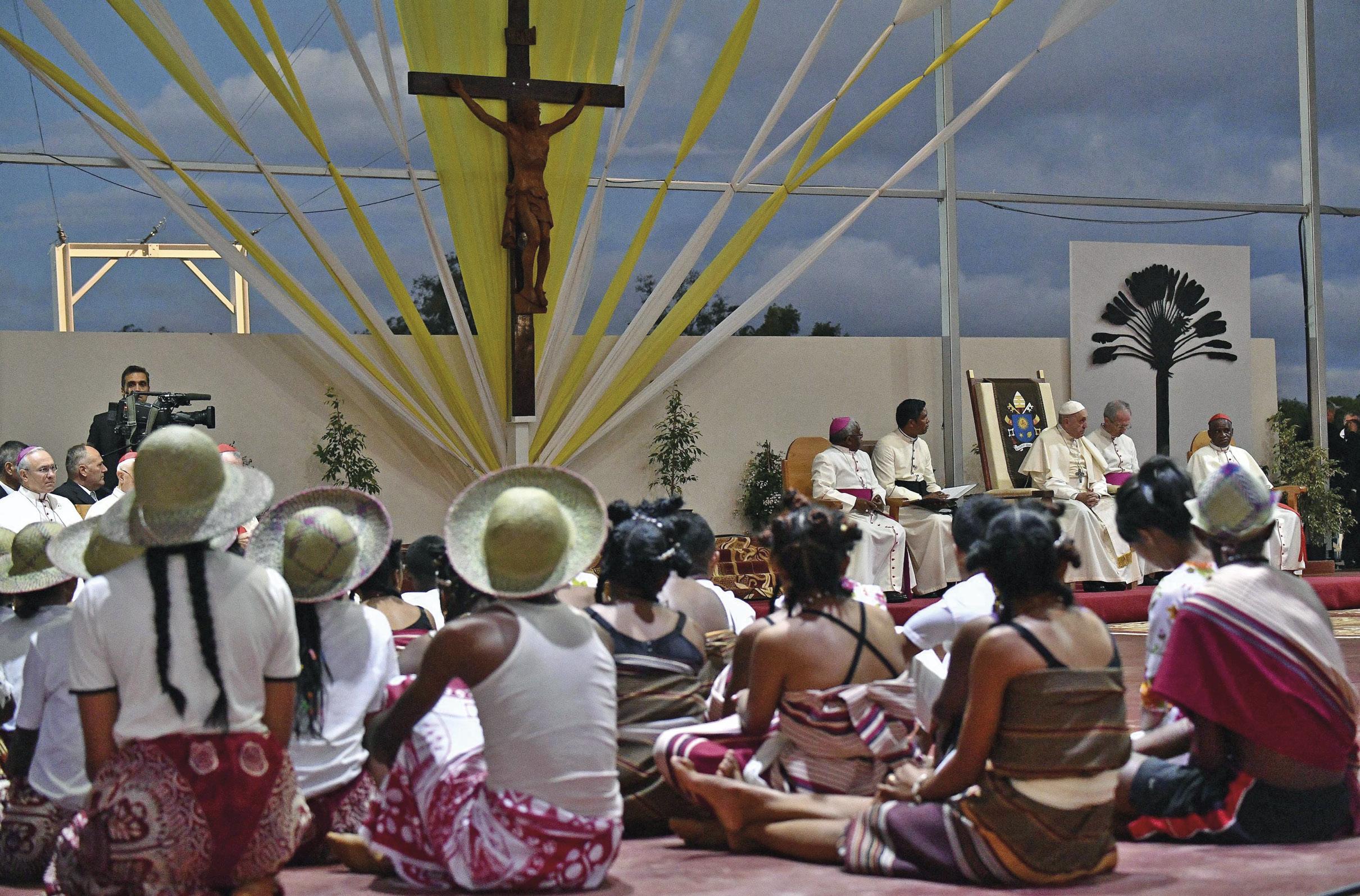 Papa Francisco na vigília com os jovens, em Madagascar, 7 de setembro de 2019. EPA / LUCA ZENNARO