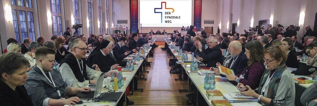 Participantes do Caminho Sinodal da Igreja Alemã, na primeira Assembleia em Frankfurt, no final de janeiro de 2020. Foto EPA.