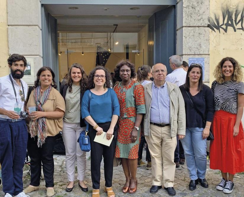 Ao centro, da esquerda para a direita, Carla Madeira, Inês Espada Vieira, Romualda Fernandes e José Leitão, do Centro de Reflexão Cristã, em Lisboa.