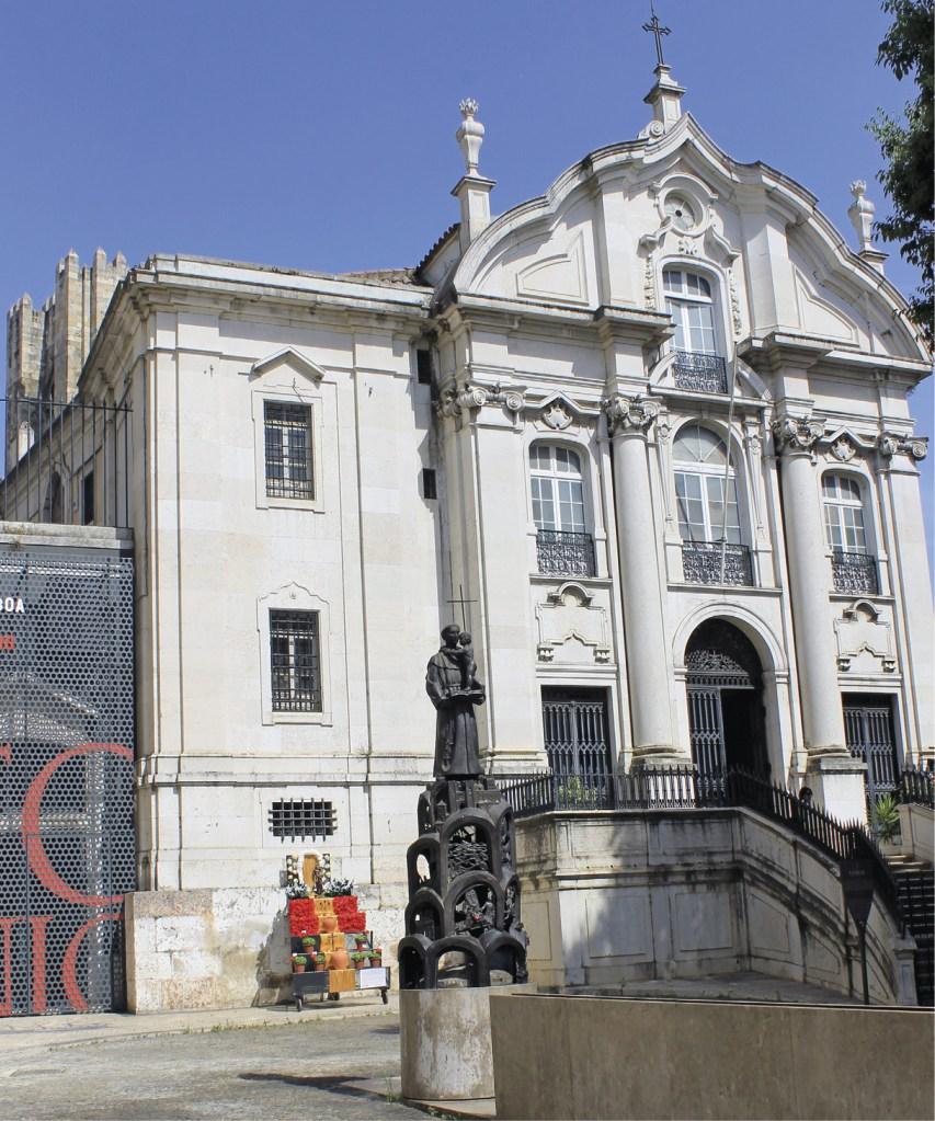 Lisboa – Igreja de Santo António, que se ergue no local onde, segundo a tradição, nasceu Santo António. Foto MSA 2015.