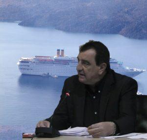 Ο κ. Αντώνης Σιγάλας, ζήτησε ευθέως την παύση του Προέδρου του Λιμενικού Ταμείου Θήρας.