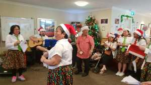 Elderly receives Christmas Cheer from Sinulog NZ