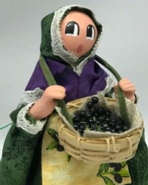 Femme Olives santons de provence