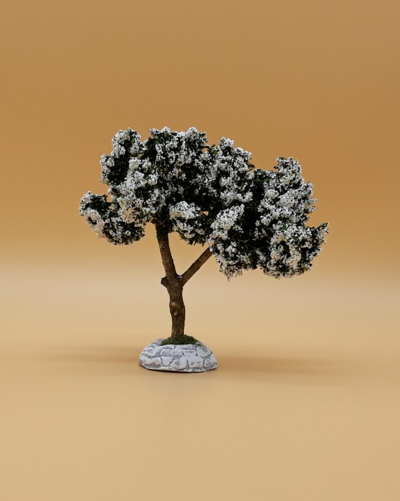Arbre fleuri blanc décor de crèche