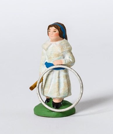 Petite fille au cerceau santons Campana