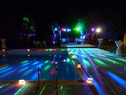 10-2_disco_pool