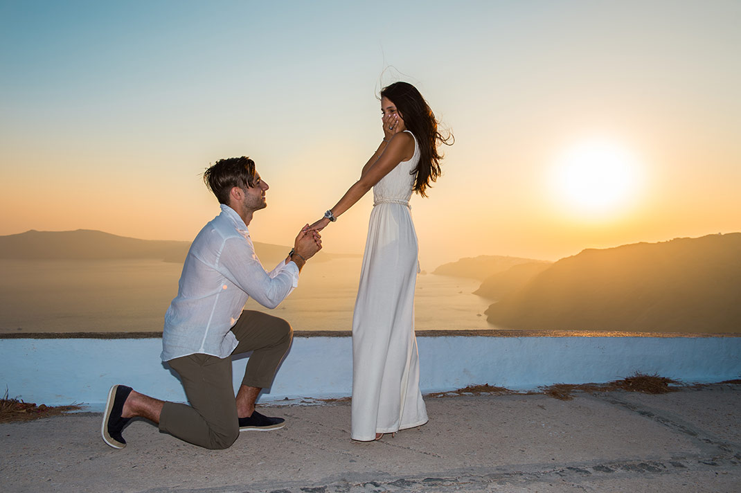 Santorini Proposal Blog Stories & Ideas For Your Perfect