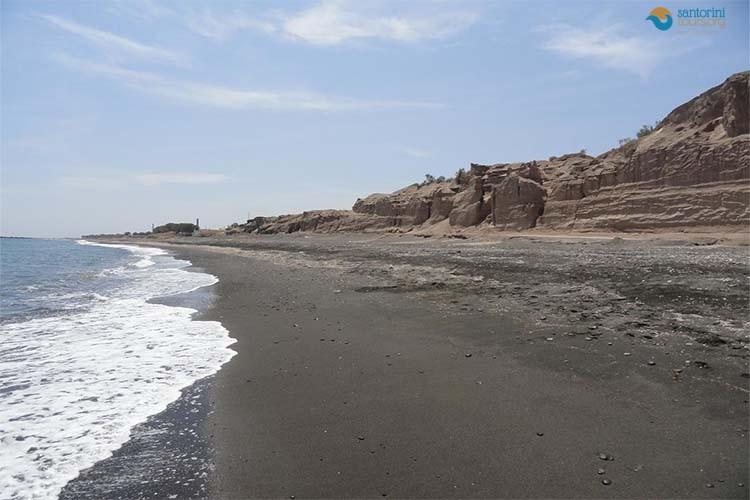 monolithos-beach-santorini