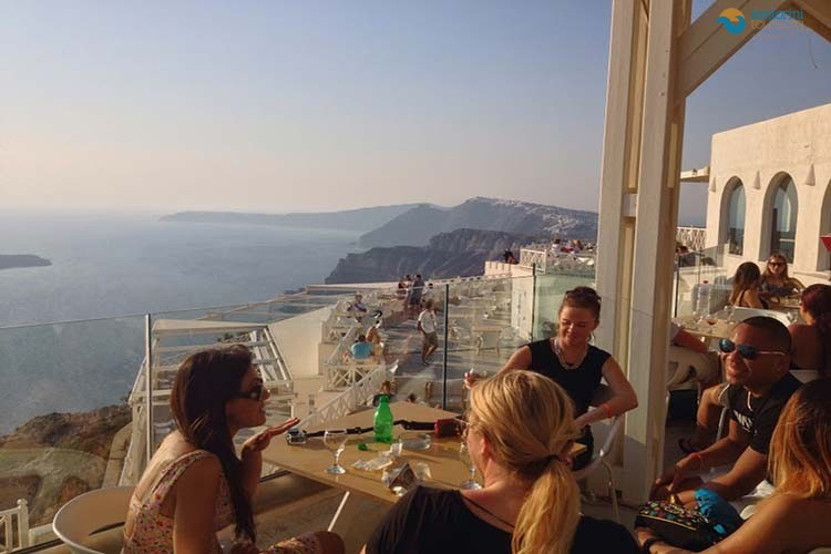 private-wine-tour-santorini