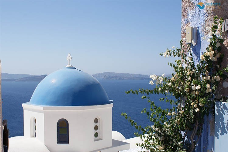santorini-churches