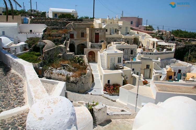 foinikia-villages-of-santorini