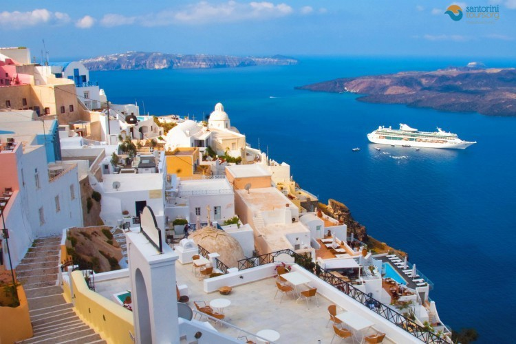 cruise-to-santorini-cyclades-greece-1
