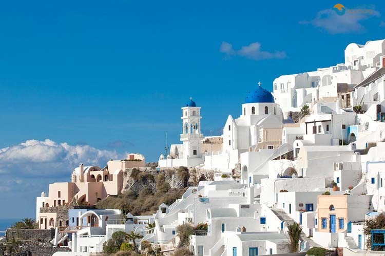 santorini-at-the-top-5-google-searches-1