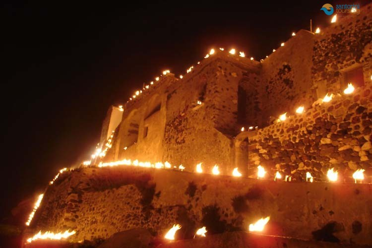 TRADITIONAL GREEK EASTER IN SANTORINI